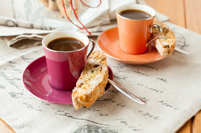 Hazelnut Coffee Biscotti-9790.jpg
