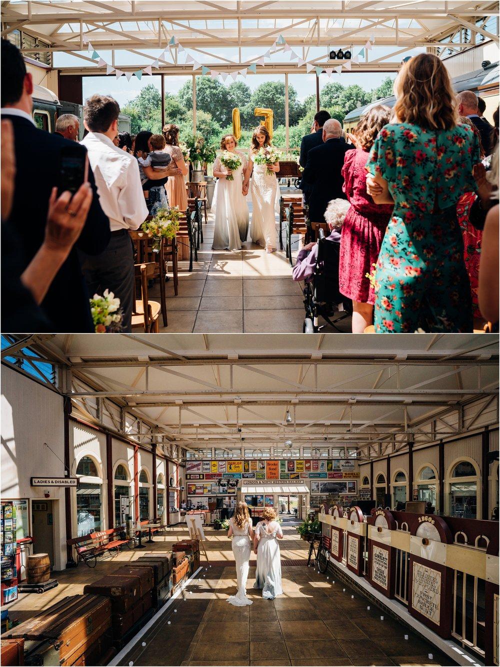 BUCKINGHAMSHIRE RAILEWAY CENTRE WEDDING_0028.jpg