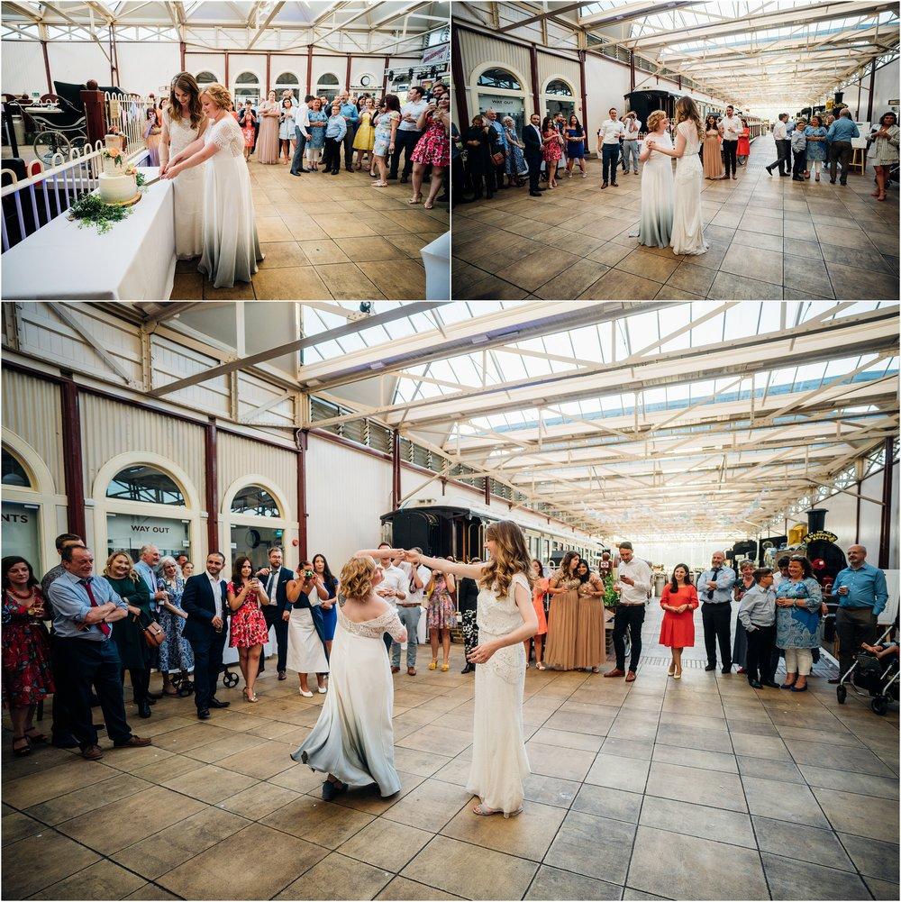 BUCKINGHAMSHIRE RAILEWAY CENTRE WEDDING_0072.jpg