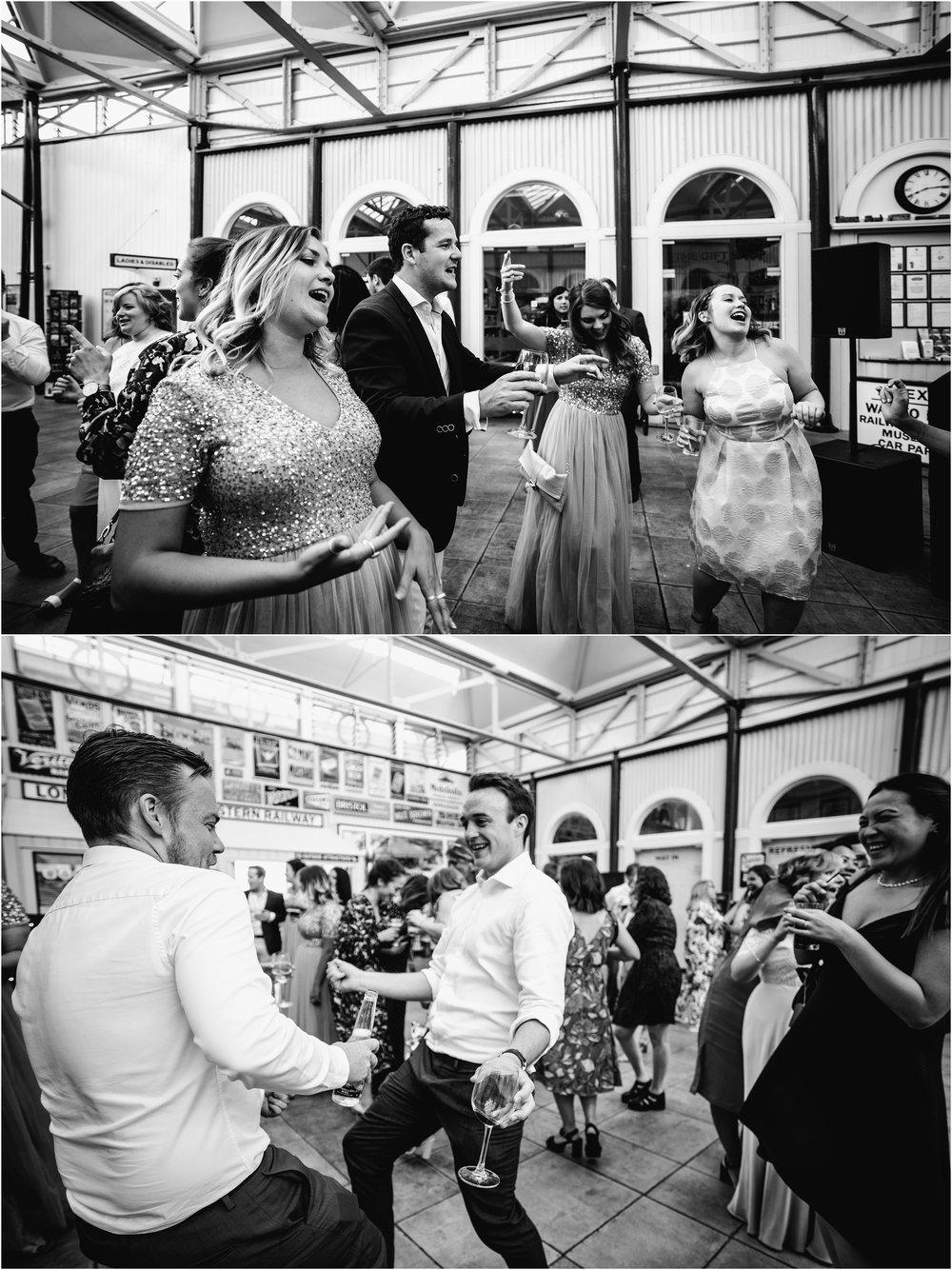 BUCKINGHAMSHIRE RAILEWAY CENTRE WEDDING_0078.jpg
