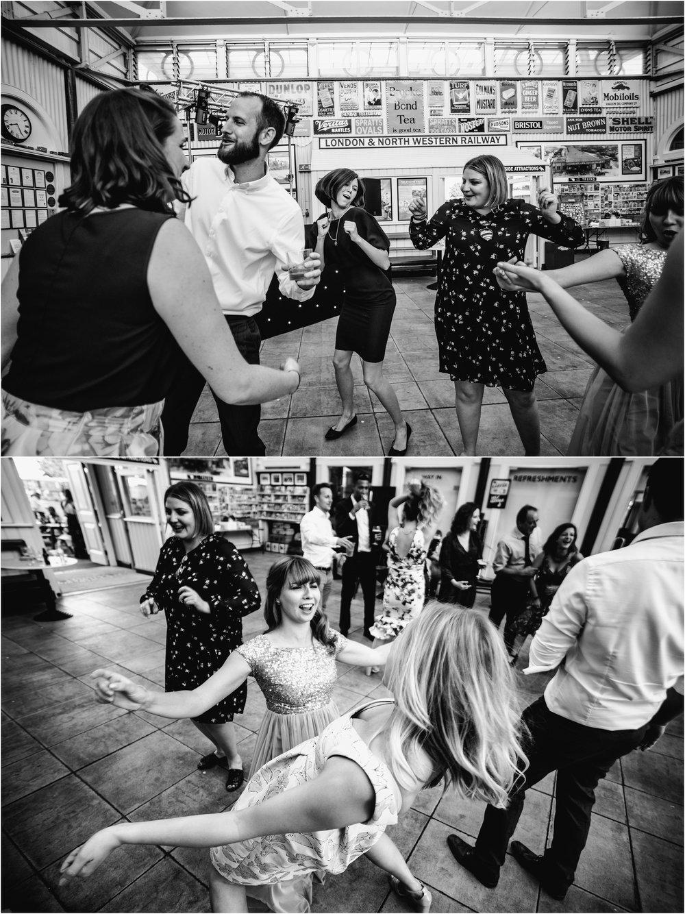 BUCKINGHAMSHIRE RAILEWAY CENTRE WEDDING_0082.jpg