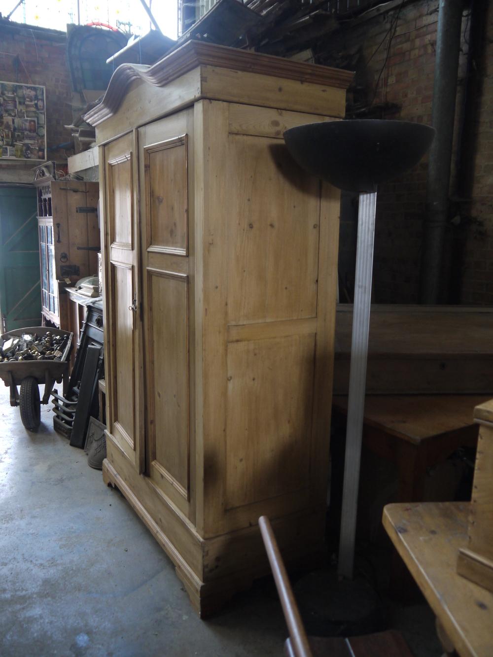 P4 03 1900 Pine 2 door wardrobe (2).JPG
