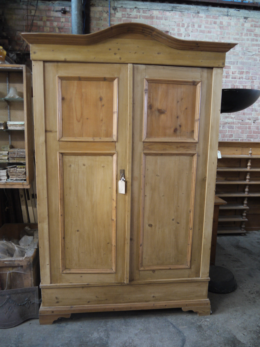 4 03 - 1900 Pine wardrobe