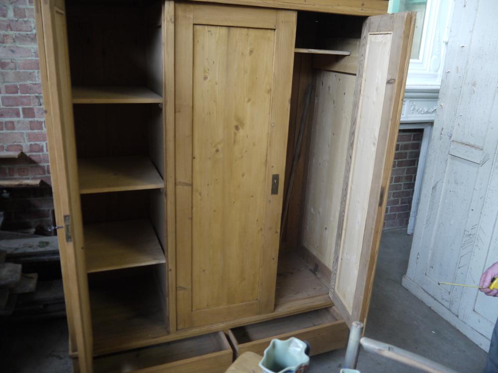 4 04 - 1900 Pine wardrobe