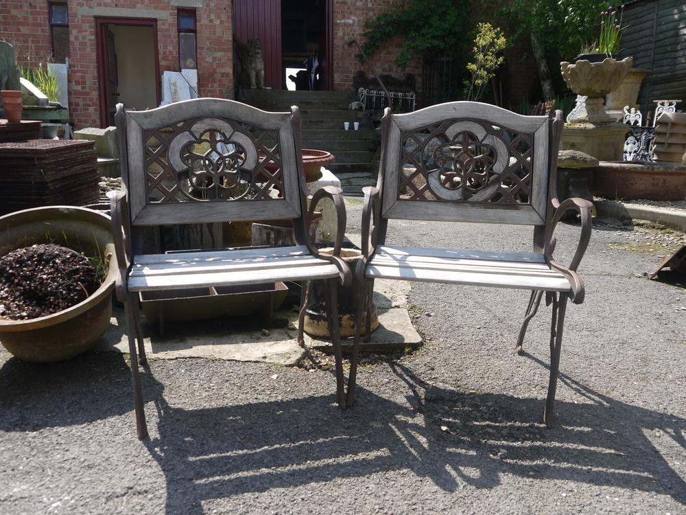 P1 005 Pair of garden chairs (1).JPG