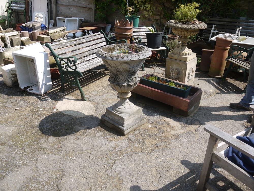 13 - Repro concrete garden urn