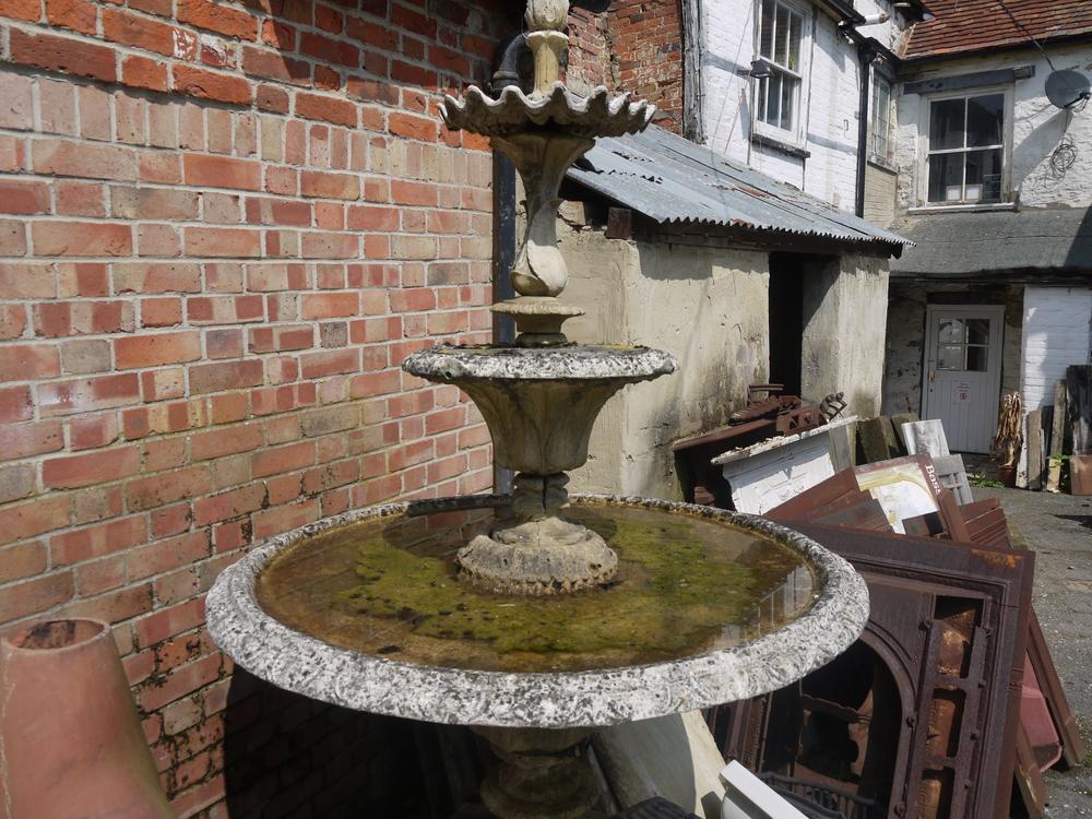 14 - Fountain