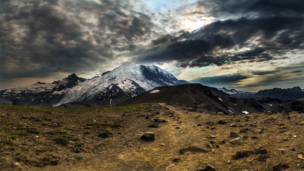 Rainier-Day-2---Burroughs-Mtn-1.jpg