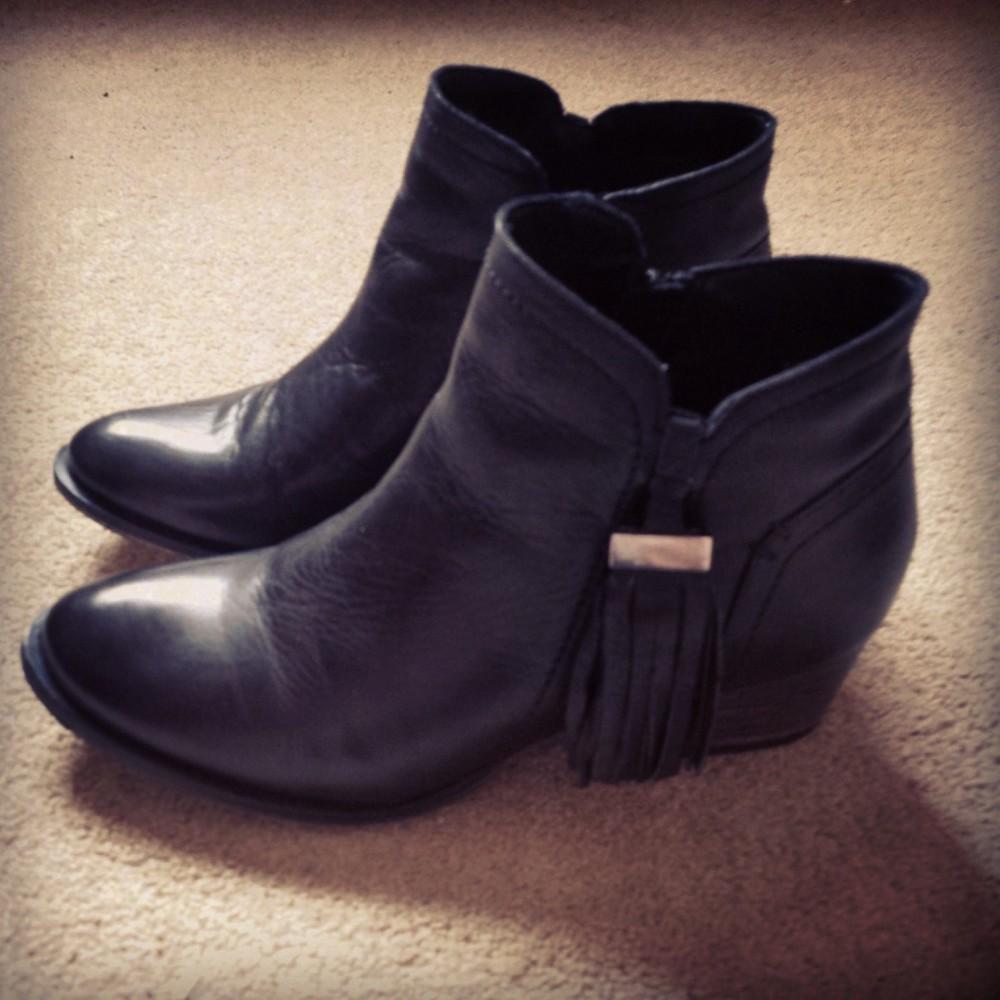 01_Tassled Boots.jpg