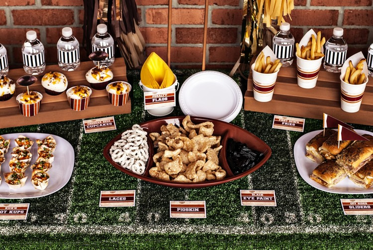 vinfoot_16jpg - Super Bowl Party Decorations