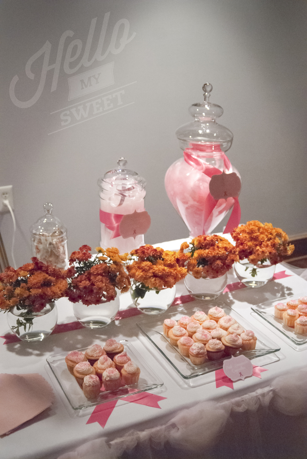 We filled up the large apothecary jars with pink feathers and tulle.