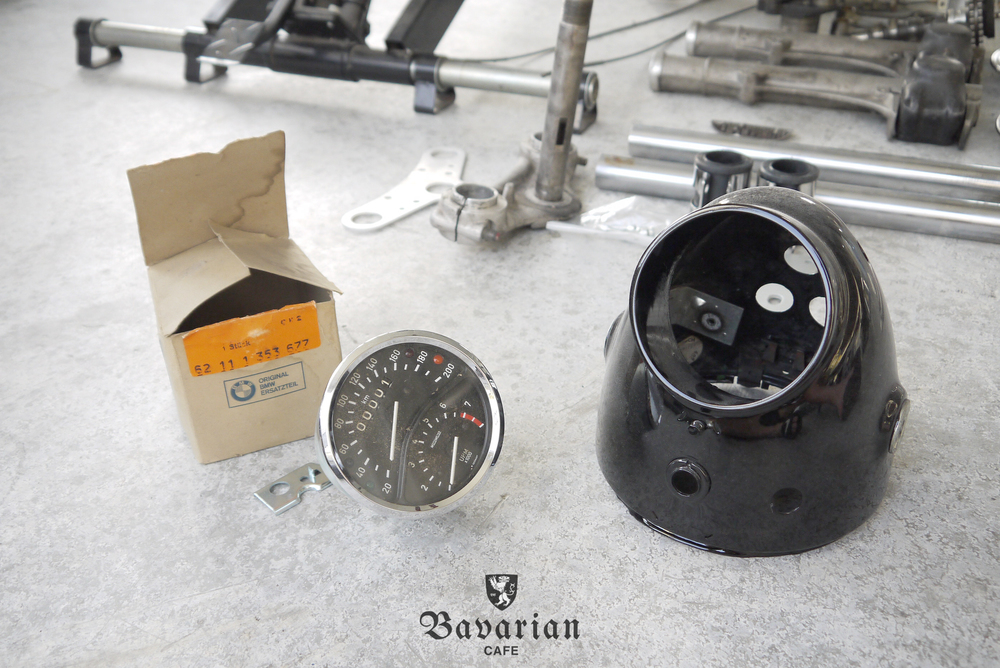 bavarian-cafe-1973-R75S-03-speedometer.jpg
