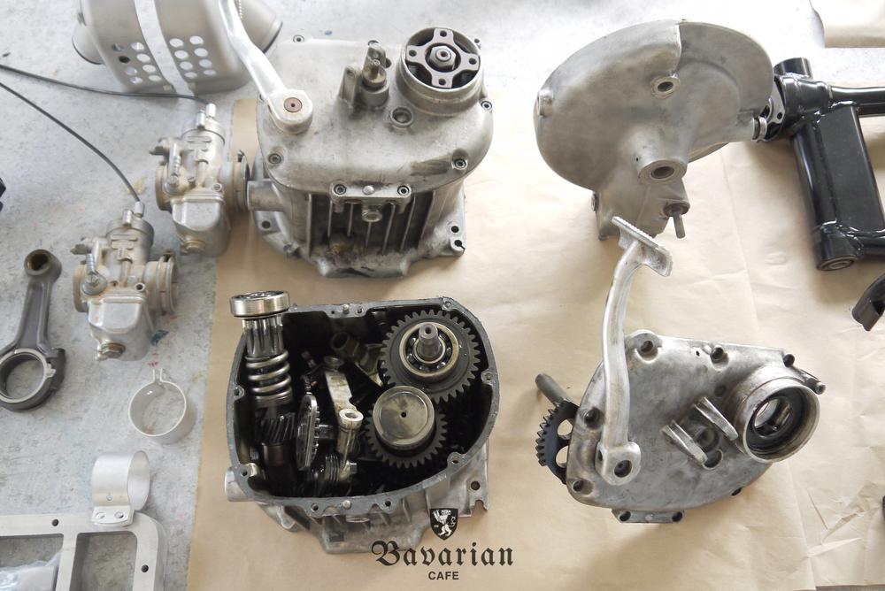 bavarian-cafe-1973-R75S-05-gearbox.jpg