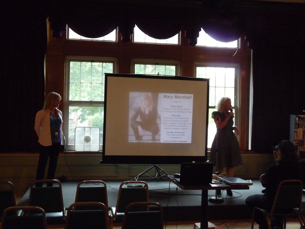 Ursula Bielski Introducing me to Audience at Chicago ParaCon