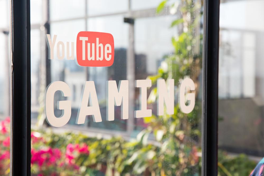 YouTube E3-233.jpg