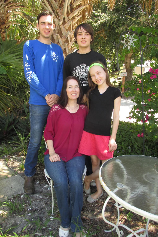 Stacy Efinger and her Children
