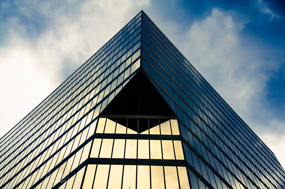 pyramid-of-glass_mindfuel_bernhard_huber.jpg