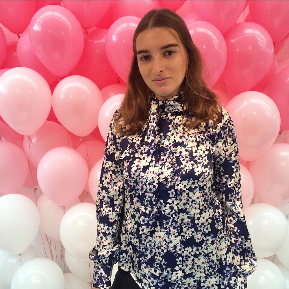 We are obsessed with these pink balloons! Jessica wears Wolf & Whistle  Blossom Print Pussy Bow Blouse.