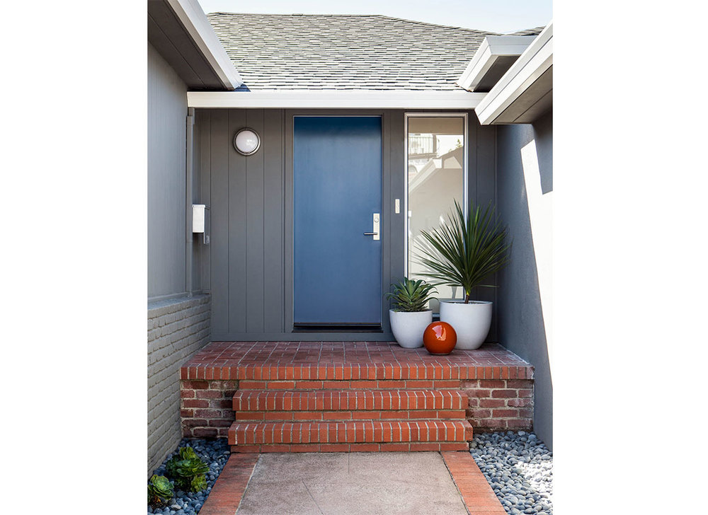 Studio Munroe Design Entrance with Blue Door