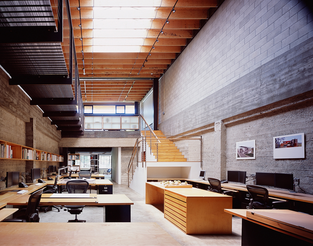 The original building was built in 1920 as a bakery warehouse.  Warm, refined materials are now integrated into the old concrete structure creating  elegant connection and precision.  In the Linden Street Studio the contrast of wood, steel, concrete, and glass reflects the general aesthetic of Sagan Piechota.