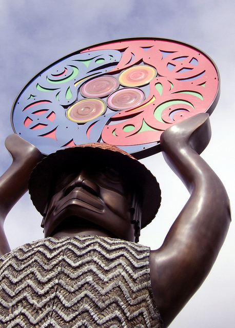 """A Salish Welcome"" statue, byMartin Oliver (at Ballard Locks). Photo by Bryan Ochalla, Flickr Creative Commons"