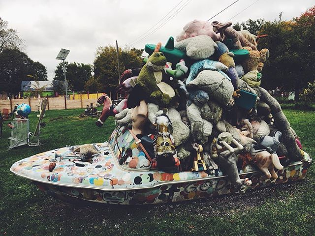 Got to spend the day off in Detroit rawk city. Spending the day at various gift shops and finally at @heidelbergproj ! #tour
