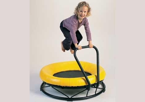 Hoppe, balansere og øve grovmotorikk