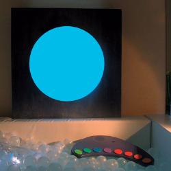 Lys/lyd på vegg, gulv, tak og i basseng
