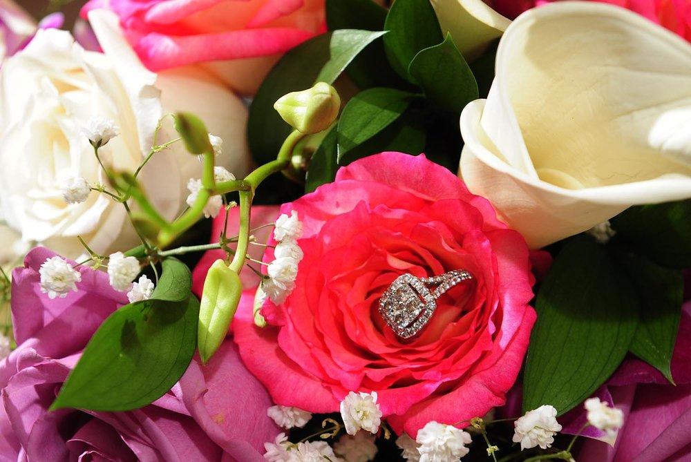 wedding-rings-in-flowers