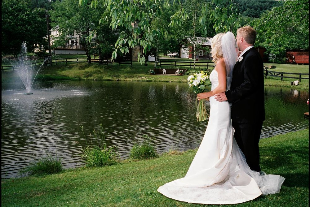 bride_groom-at-lake.jpg