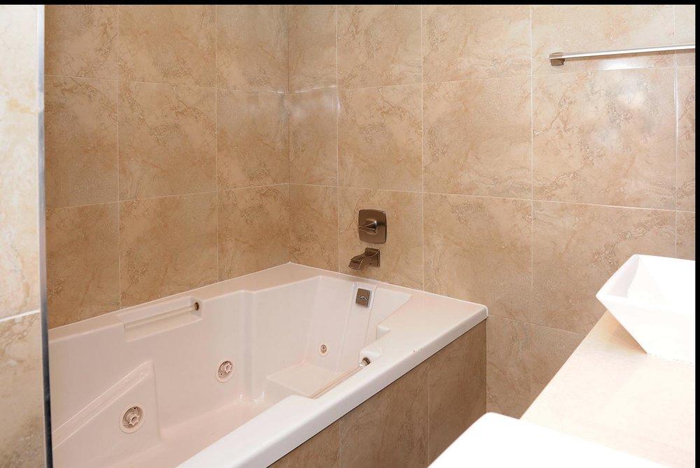 residential_photo_pembroke_pine-bathroom-detail-10.jpg