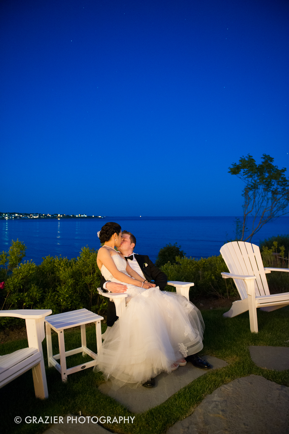 an elegant wedding at The Chanlet at Cliff Walk by Grazier Photography
