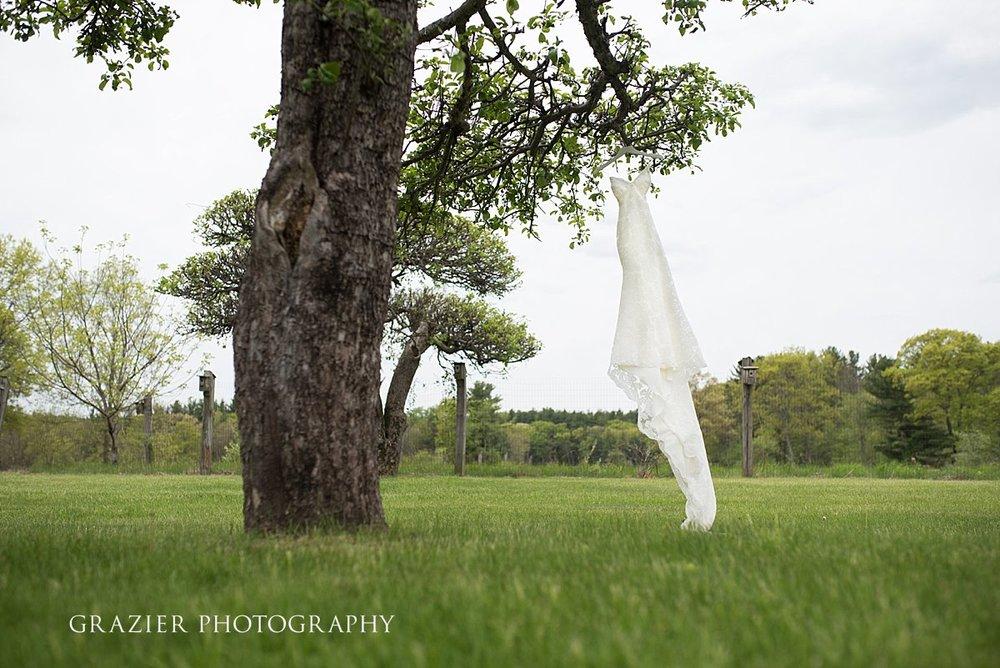 0704_GrazierPhotography_Farm_Wedding_052016.JPG