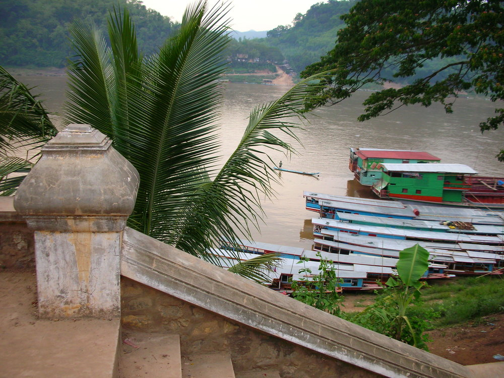 I Likes the Mekong I does  Originally uploaded by  Bickenchurger   The Majestic Mekong in Luang Prabang, Lao