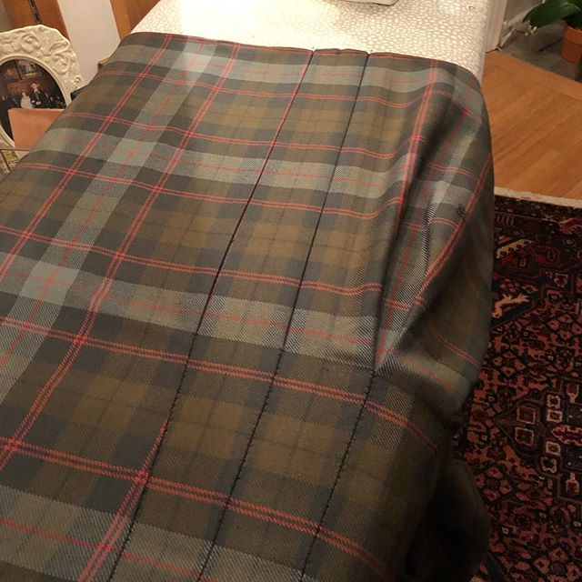 Double delight! An 18th century box pleat kilt made for a fellow artist. Thanks, SG!