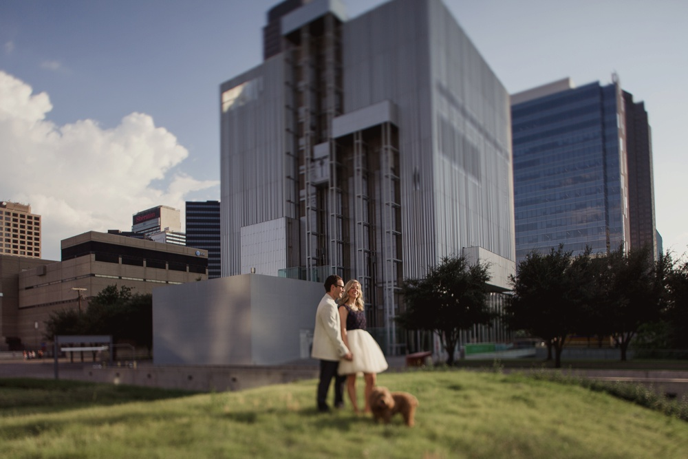 dallas-wedding-photographer-engagement-dog16.jpg