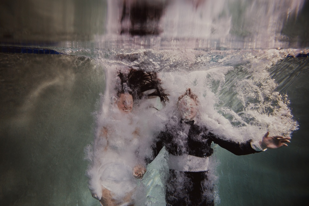 underwater engagement session 02.jpg