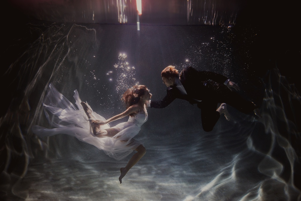 underwater engagement session 04.jpg