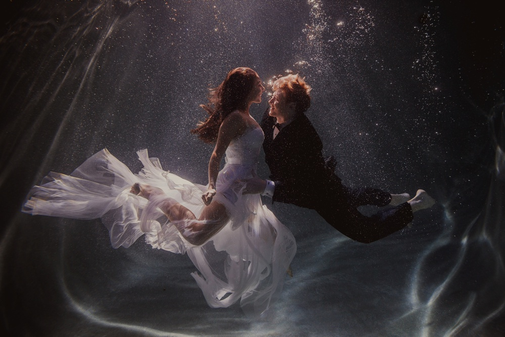 underwater engagement session 03.jpg