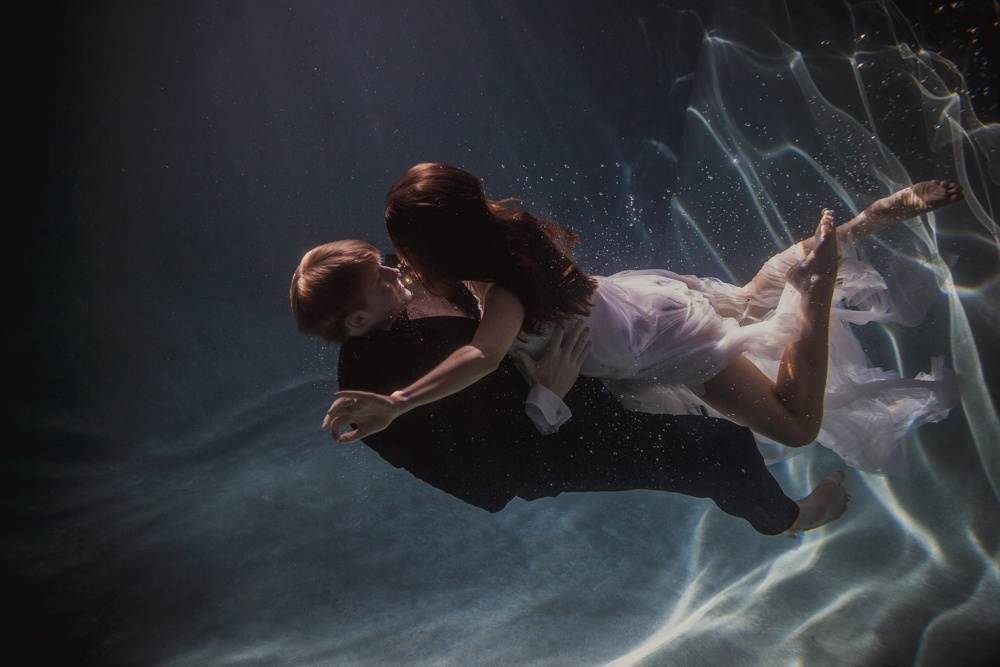 underwater engagement session 06.jpg