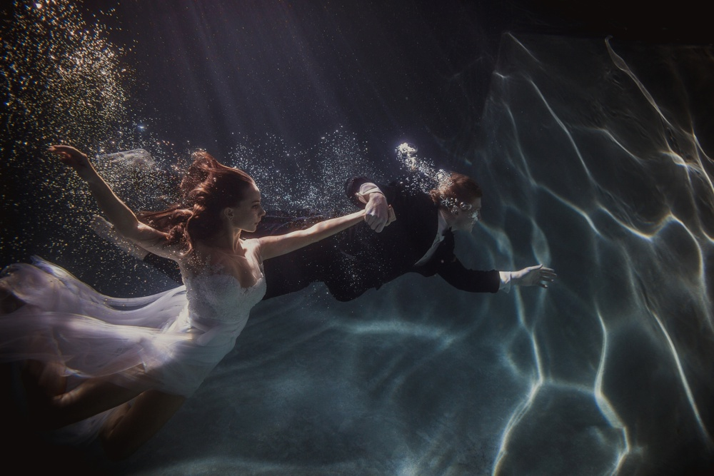 underwater engagement session 07.jpg