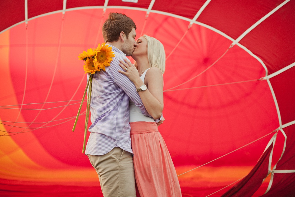 hot air balloon engagement session 18.jpg