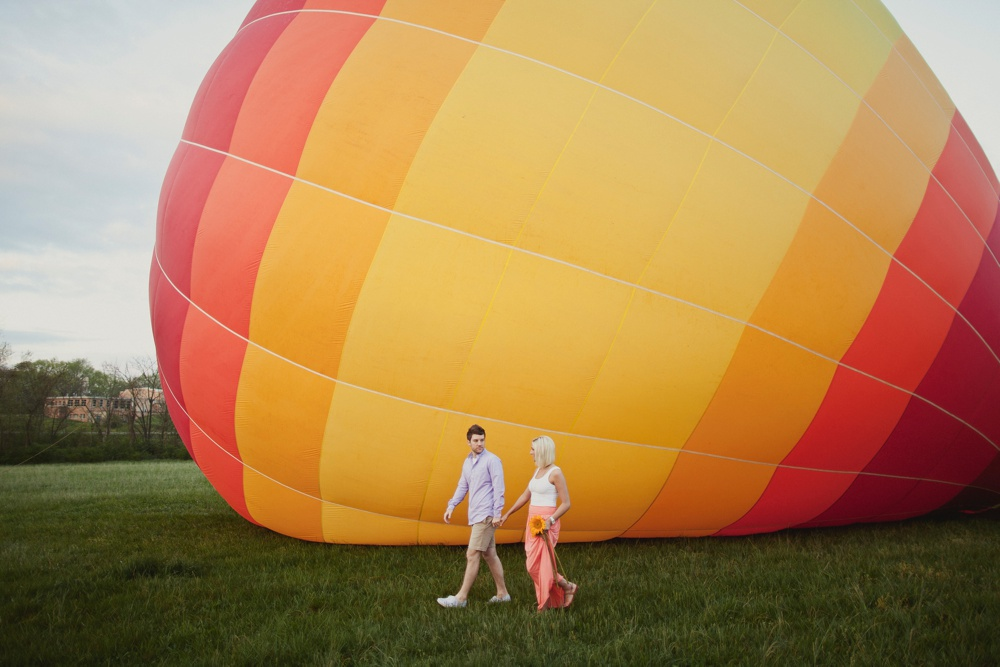 hot air balloon engagement session 20.jpg