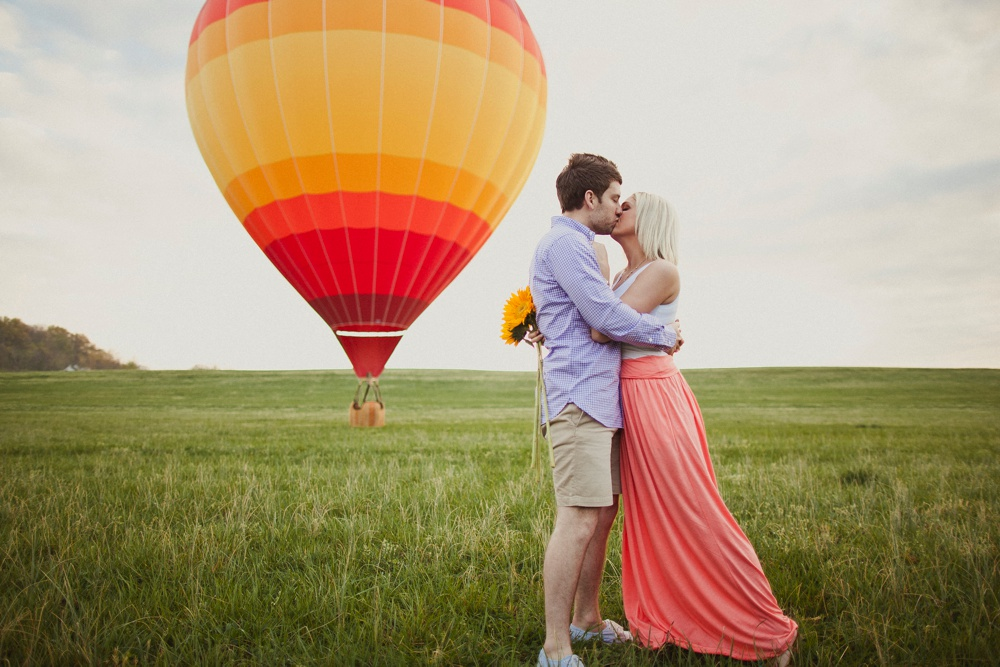 hot air balloon engagement session 23.jpg