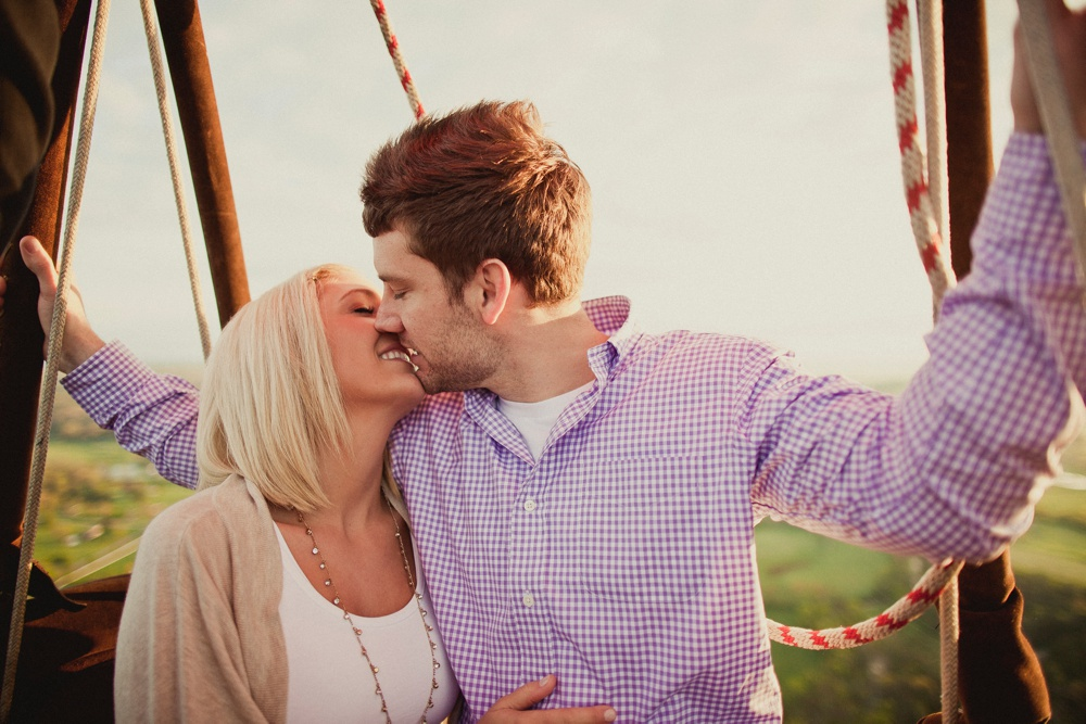 hot air balloon engagement session 25.jpg
