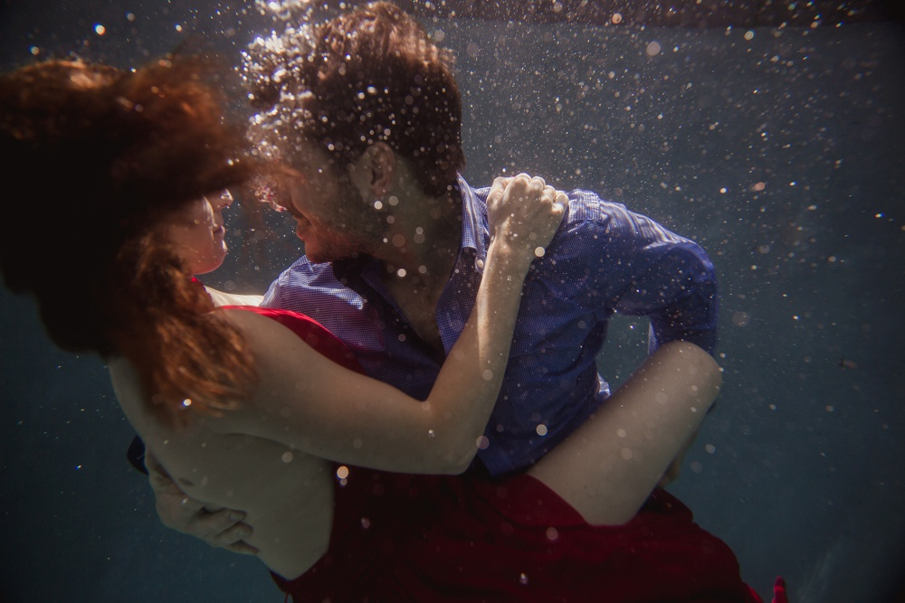 underwater wedding photographer dallas 11.jpg
