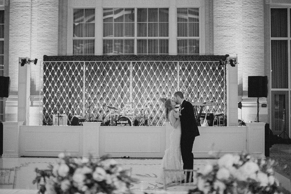union station dallas wedding photographer 148.jpg
