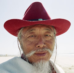 red-hat-rinpoche.jpg