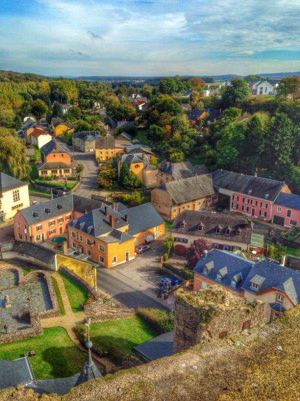 Useldange town