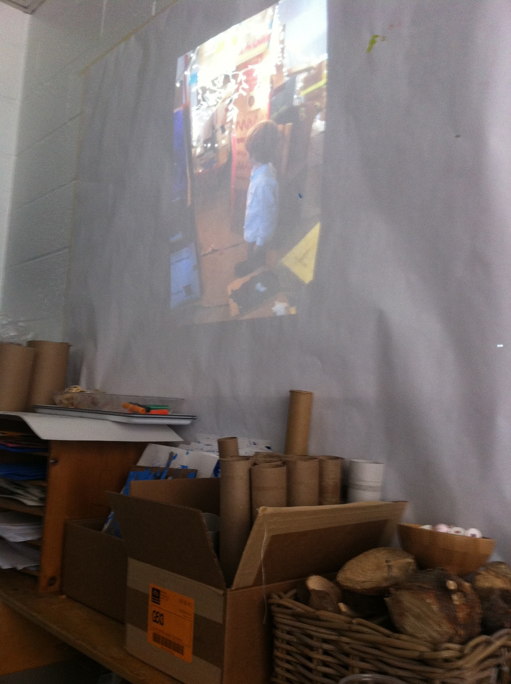 So fun to see our Cardboard Challenge movie projected behind the cardboard making workshop in the 3-4's room at the 14th St Y.